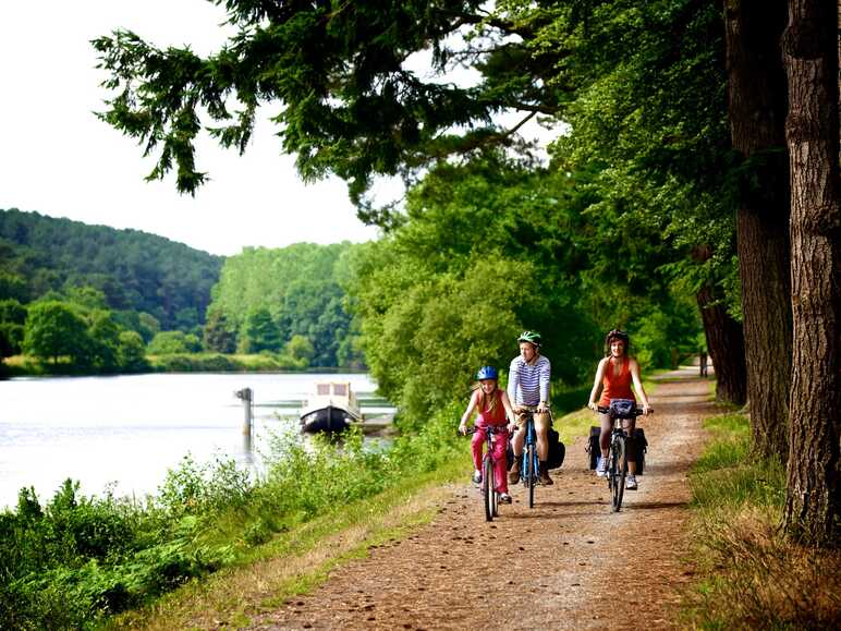 The Nantes-Brest Canal by bike