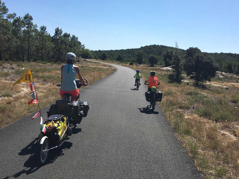 A family adventure on La Vélodyssée in Landes